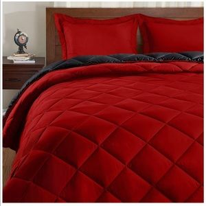 Set (King) Reversible BedComforter with 2 Pillow